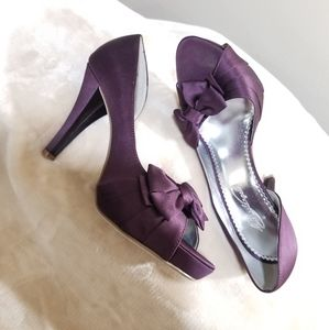Michaelangelo Maribelle Satin Plum High Heels.